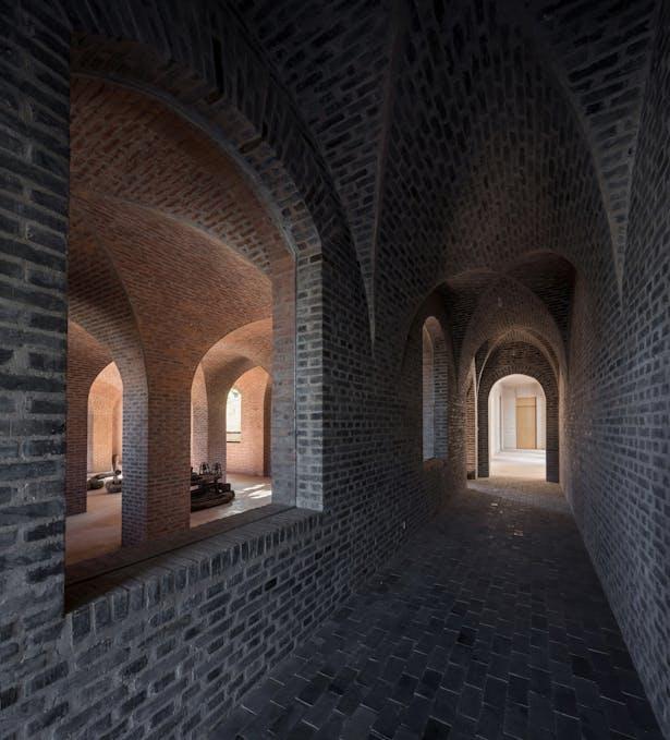 North corridor of cross vaults © Su shengliang