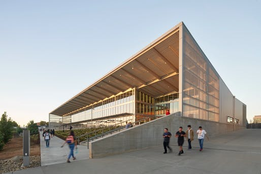 Architecture Citation: University of California, Merced, Pavilion at Little Lake. Honoree: Skidmore, Owings & Merrill LLP. Photo: Bruce Damonte.