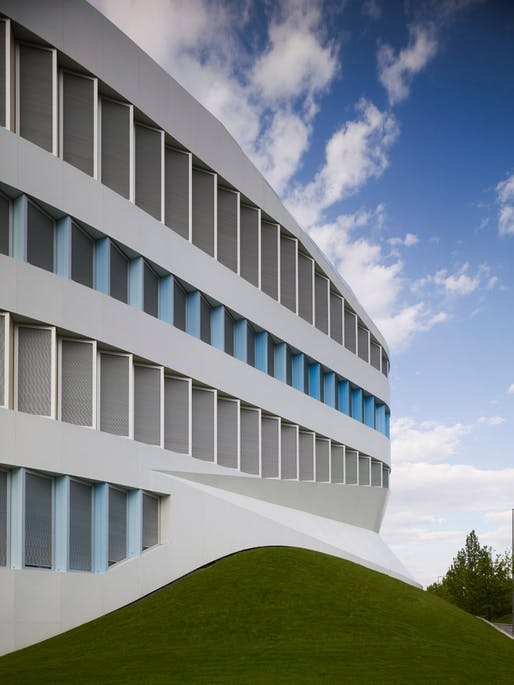 Just opened: the Centre for Virtual Engineering (ZVE) in Stuttgart, Germany by UNStudio in collaboration with Asplan Architekten (Photo: Christian Richters)