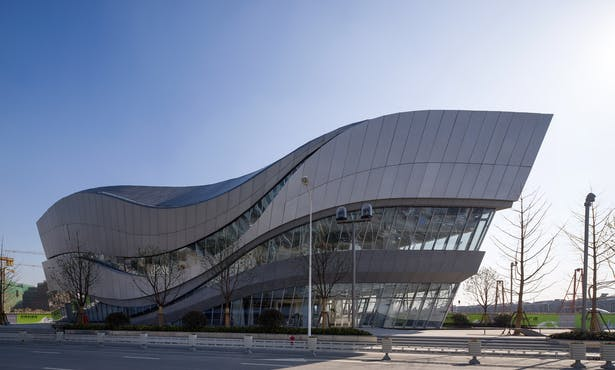 Hongqiao World Centre Gallery, Shanghai, China, by Aedas