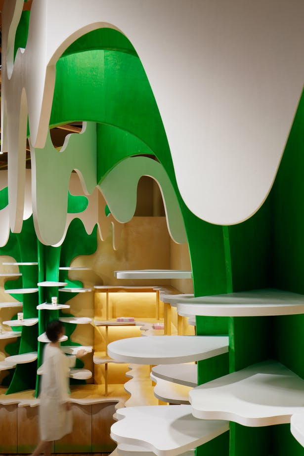 5_milk-tree tower,shelf