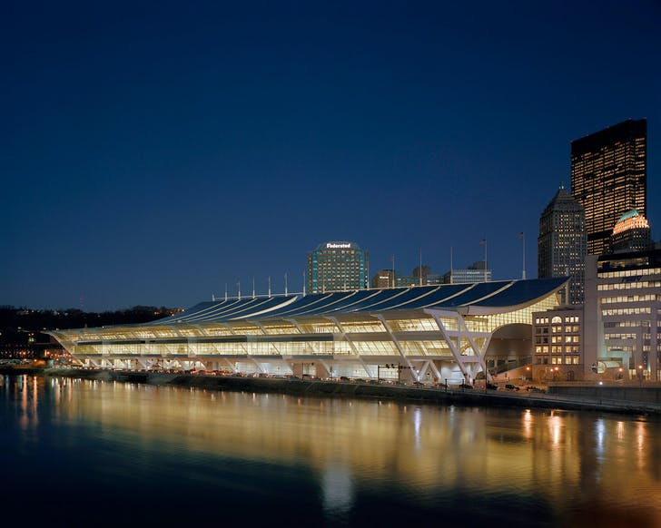 The Pittsburgh Convention Center, Architect: Rafael Viñoly Architects, P.C. © Brad Feinknopf