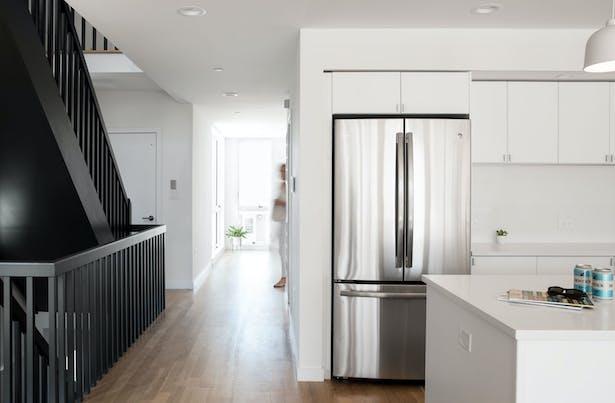 Long Island Modern Beach House Kitchen Interior Design