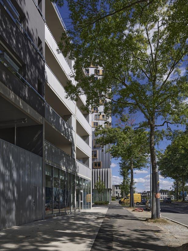activity and entrance est facade / photo : S. Chalmeau