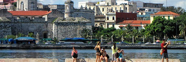 BAC students sketching on site for fall 2013 studio project. Located in Casablanca, across the harbor from Old Havana, Cuba.