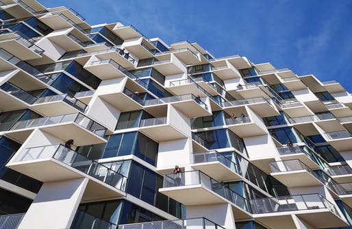 City Hyde Park by Studio Gang. Photo by Steve Hall, © Hedrich Blessing. Courtesy of Studio Gang.