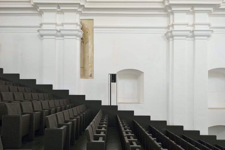 Main performance hall in church nave. Photo: Miran Kambič