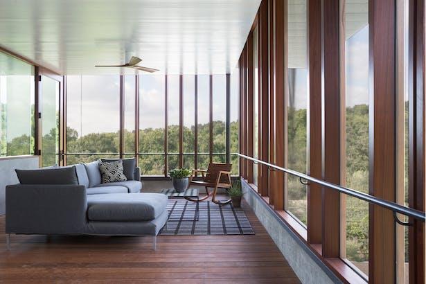 Balcones House with Quantum Windows & Doors