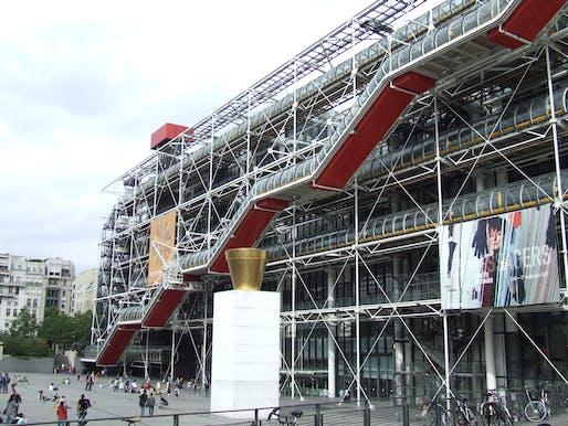 "Creative Commons. Photo by <a href=""https://de.wikipedia.org/wiki/Datei:Centre_Georges-Pompidou_2007.jpg"">Nikolas Becker</a>."
