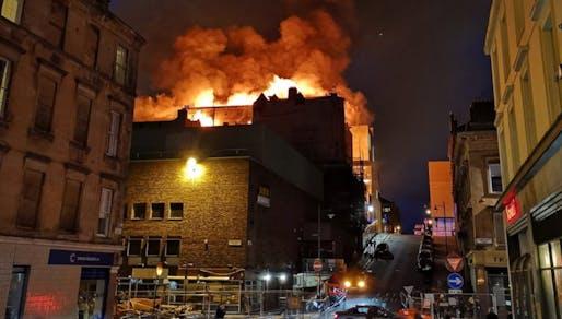 The Glasgow School of Art's Mackintosh Building on fire on June 16. Photo via STV News/Twitter.