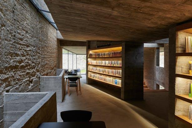 Second floor reading area ©CHEN Hao
