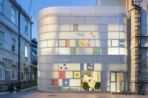 Maggie's, St Bartholomew's Hospital, EC1 by Steven Holl Architects for Maggie's and City of London Corportation.