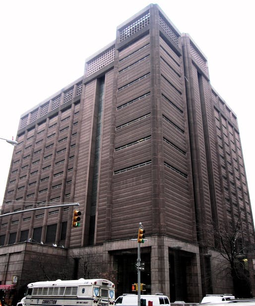 The Manhattan Detention Complex, also known as 'The Tombs,' designed by Urbahn Assocs. and Litchfield-Grosfeld Associates in 1989. Image courtesy of Wikimedia user Beyond My Ken.