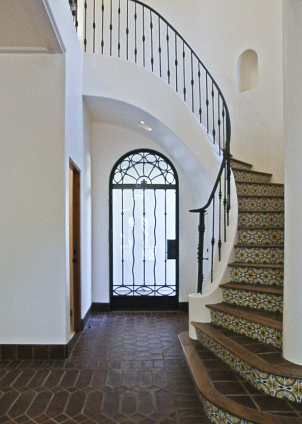 Entry & Stairwell