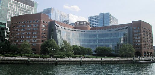 The John Joseph Moakley United States Courthouse in Boston, designed by Pei, Cobb, Freed & Partners in 1999.Image courtesy of Wikimedia user Beyond My Ken.