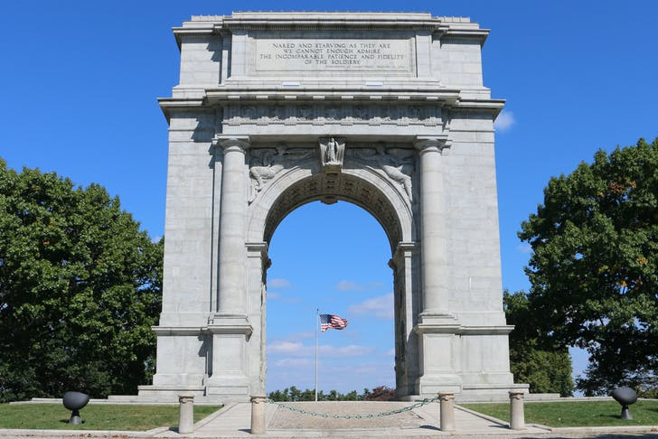 The Valley Forge War Memorial, one of many designed by the architect Paul Philippe Cret. Image courtesy of Photo courtesy of Wikimedia userAvsnarayan.