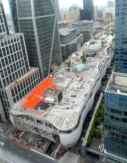 San Francisco's massive Transbay Transit Center under construction in August 2017. Photo: Pi.1415926535/Wikimedia Commons.