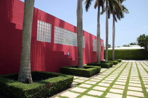 "Miami with capital M: Arquitectonica's Pink House, 1976-78. Photo: joevare/<a href=""https://www.flickr.com/photos/joevare/4698002109/in/album-72157624305006672/"">Flickr</a>"