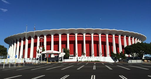 View of the Forum arena in Inglewood, California, designed by Charles Luckman & Associates in 1967. Image courtesy of Wikimedia Commons / Ritapepaj.