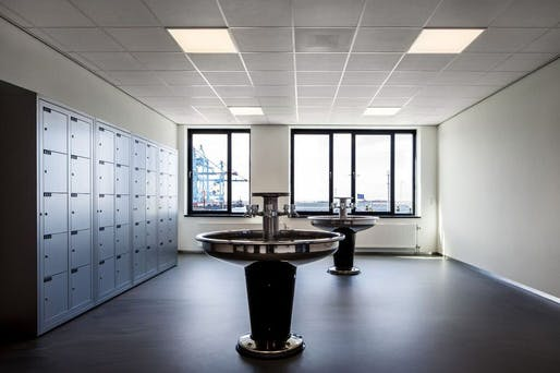 Locker and refreshing room for employees at APM Terminal office building. Rotterdam, 2014. Photographs courtesy of Nelleke de Vries, interior architect.