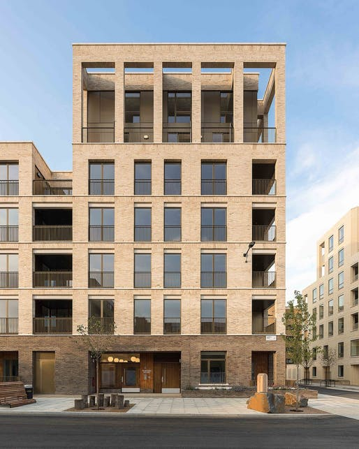 Kings Crescent Estate, designed by Karakusevic Carson Architects ​© Peter Landers