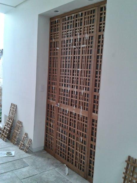 'mushrabia' wood door
