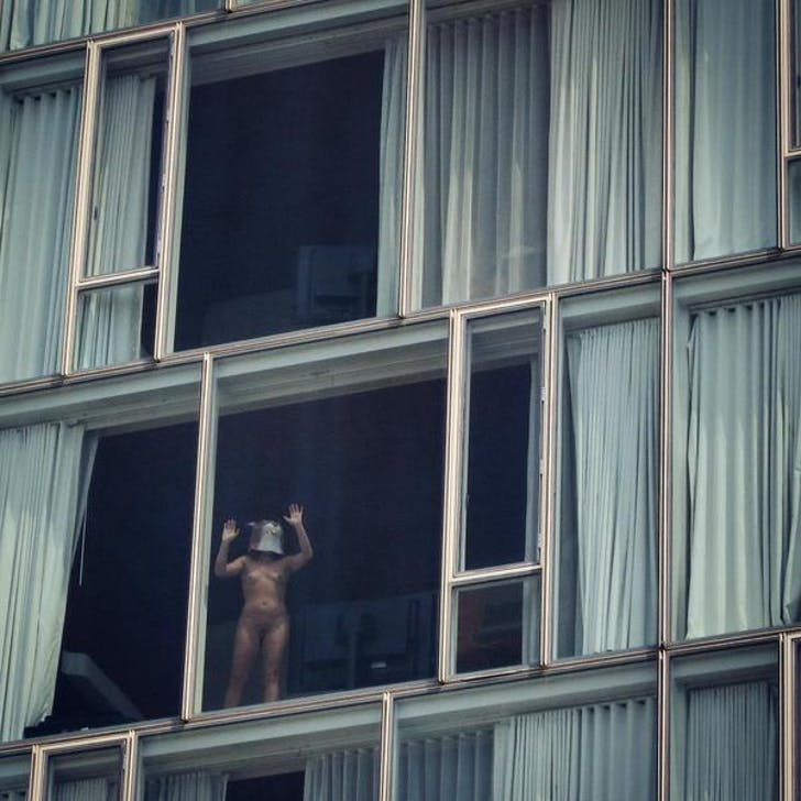 A guest at The Standard Hotel above NYC's high line. Photo: Twitter.