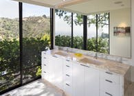 Wolff Residence / Thornton Ladd in Hollywood Hills