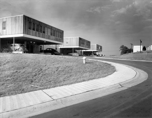 Postwar housing by SOM, Oak Ridge, CA, 1948. Image: SOM © Torkel Korling, courtesy Skidmore, Owings & Merrill LLP.