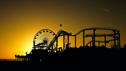 Silhouette of the Pacific Park rides at Santa Monica Pier, California. Photo: João André O. Dias/Flickr.