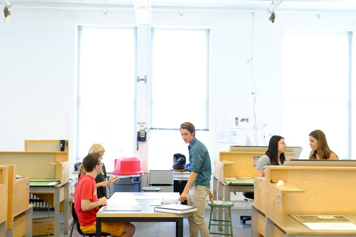 Students at work in studios, Richardson Memorial Hall. Image courtesy of Tulane School of Architecture.