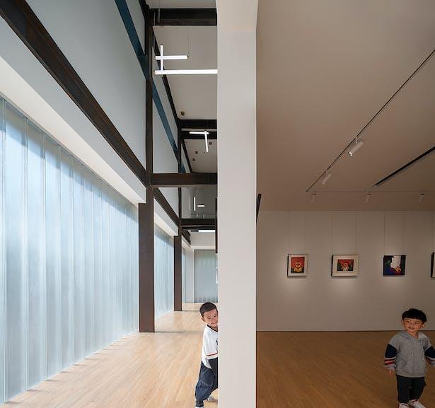 Distinct Light and Dark Space,photo: Wu Qingshan