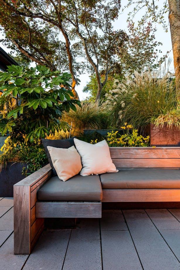 Laurelhurst Hillside Garden (Image: Miranda Estes)