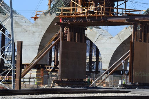 Construction view of the 6th Street Viaduct in Los Angeles. Image courtesy of Flickr user ATOMIC Hot Links.