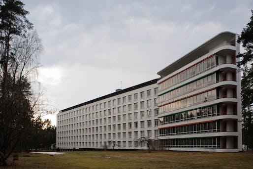 The Paimio Sanatorium by Alvar Aalto in Finland. Image courtesy of Wikimedia Commons / Leon Liao.