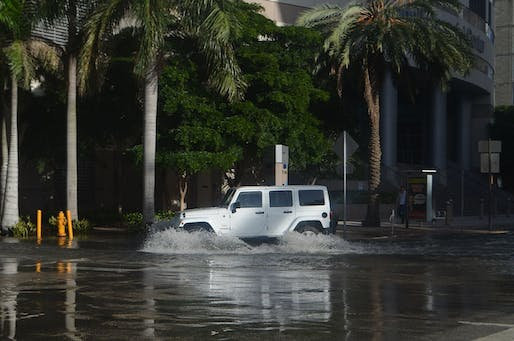 Tidal flooding in low-lying Downtown Miami. Photo: Wikimedia Commons user B137.