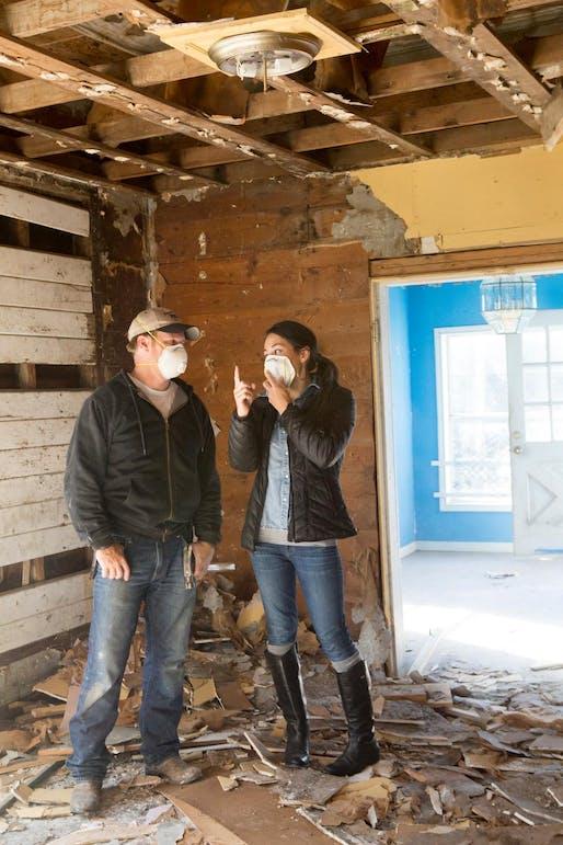 "Image via <a href=""https://photos.hgtv.com/photo/joanna-and-chip-discuss-post_demolition-cleanup"">HGTV</a>"