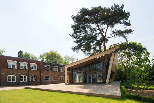 Amesbury School Visual Arts Building. Structural Designer: Webb Yates Engineers. Architect: tp bennett. Image courtesy of 2017 Structural Awards. Image courtesy of 2017 Structural Awards