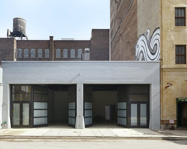​5,000 SF gallery in Chelsea in a converted garage.​