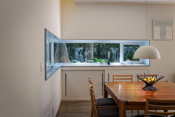 Dining window / Casa Nirau