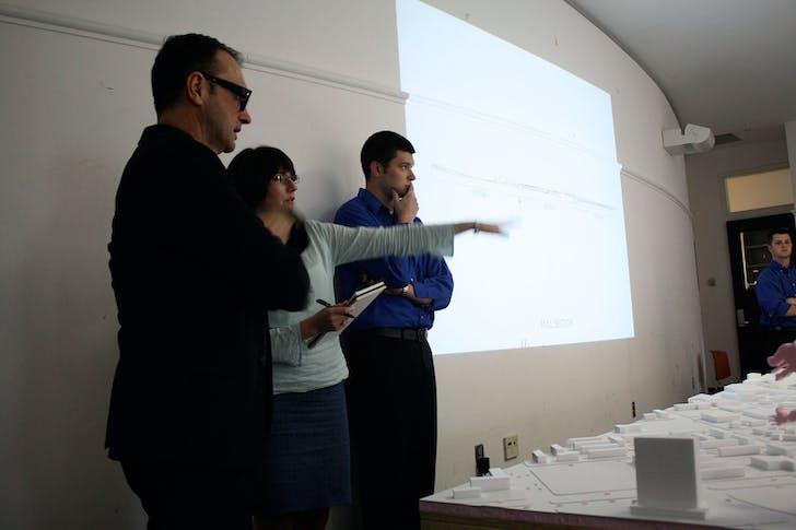 UK/CoD Dean Michael Speaks reviewing studio work