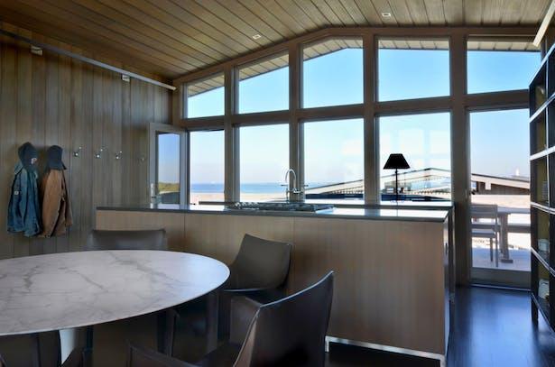 Beach house dining area.