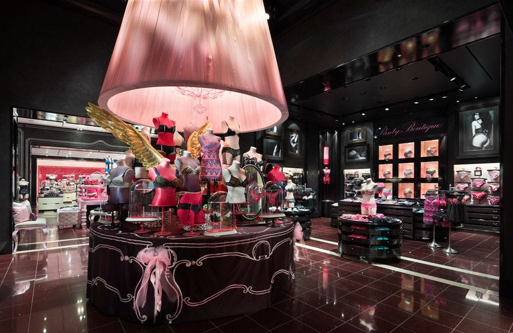victoria 39 s secret flagship store chicago emily h limage archinect. Black Bedroom Furniture Sets. Home Design Ideas