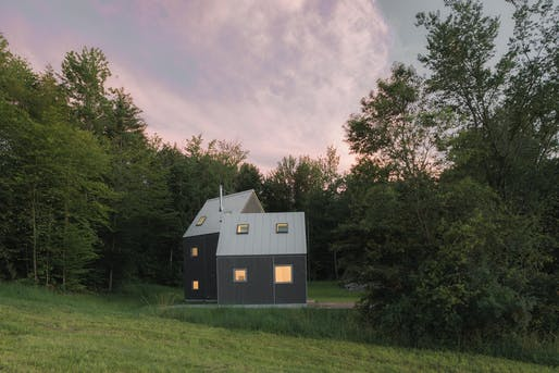 new affiliates, Turnbridge Winter Cabin. Photo: Michael Vahrenwald/ESTO.