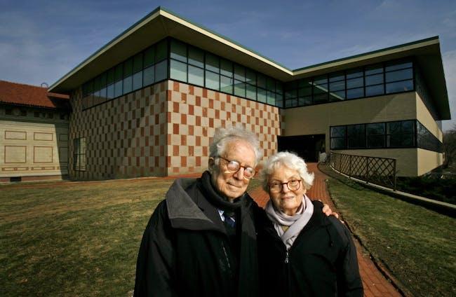 Robert Venturi and Denise Scott Brown. Photo via cleveland.com.