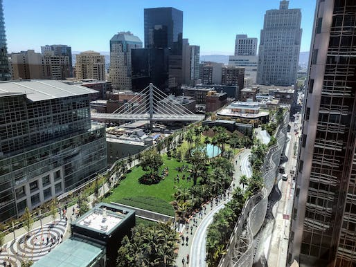 Rooftop park atop the Salesforce Transit Center in August 2018. Image via Wikimedia Commons.