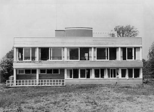 The Shawms building in Cambridge, designed by Justin Blanco White for George Rushton, 1938. Image courtesy of Dictionary of National Biography in Britain.