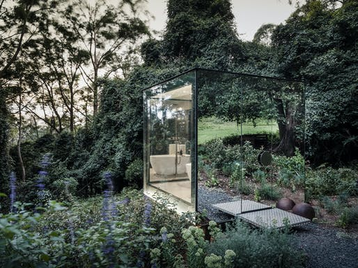 Kangaroo Valley Outhouse. Image © Robert Walsh/courtesy of Madeleine Blanchfield Architects