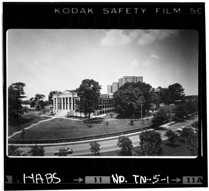 Old Knoxville City Hall, former home of the Tennessee School for the Deaf (Historic American Buildings Survey, HABS TN-5-1). Image from the Library of Congress