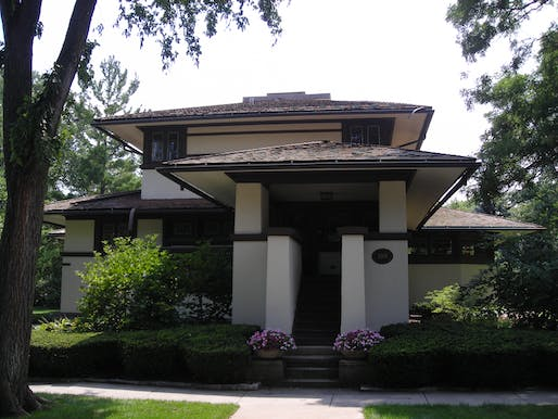 "Frank B. Henderson House. Elmhurst, Illinois. NAtional Register of Historic Places. Frank Lloyd Wright.By <a href=""//commons.wikimedia.org/wiki/User:G_LeTourneau"" title=""User:G LeTourneau"">G LeTourneau</a>, <a href=""http://creativecommons.org/licenses/by-sa/3.0/"" title=""Creative Commons Attribution-Share Alike 3.0"">CC BY-SA 3.0</a>, <a href=""https://commons.wikimedia.org/w/index.php?curid=2566626"">Link</a>"